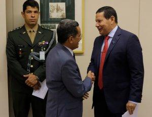 senador Mecias de Jesus e o vice-presidente da República, Hamilton Mourão